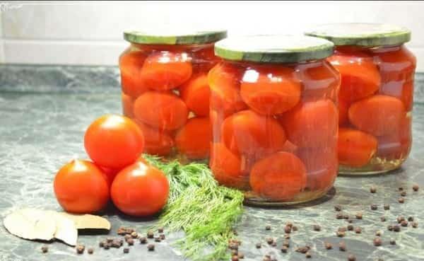 Маринованные помидоры на зиму в литровых банках