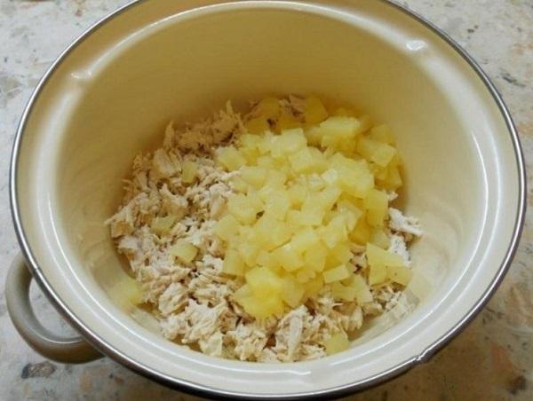 Салат с курицей и ананасами: пошаговый рецепт с кукурузой