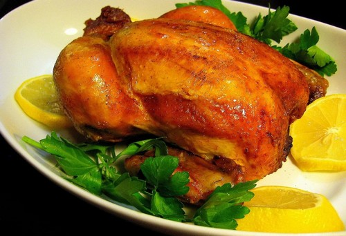 Курица в духовке целиком с чесноком