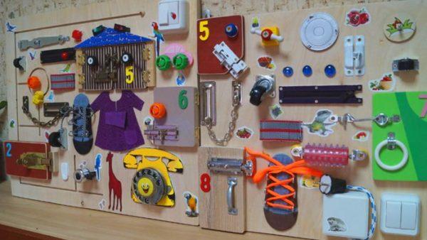 Бизиборд - развивающая детская доска: для чего нужна