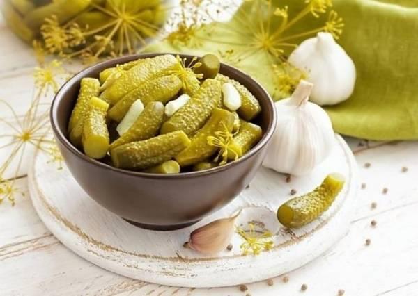 Малосольные огурцы - рецепт классический с фото