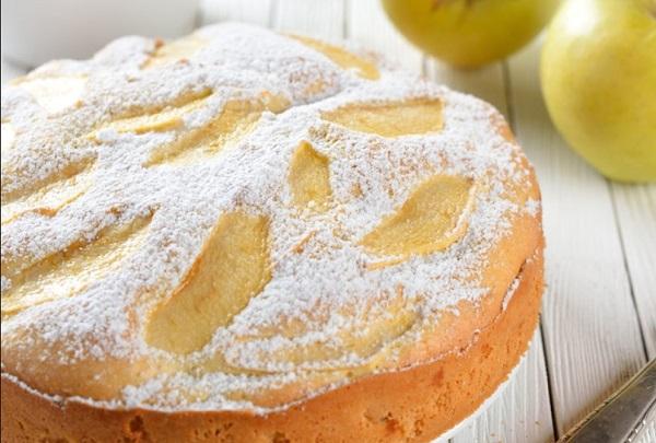 Шарлотка с яблоками простой рецепт