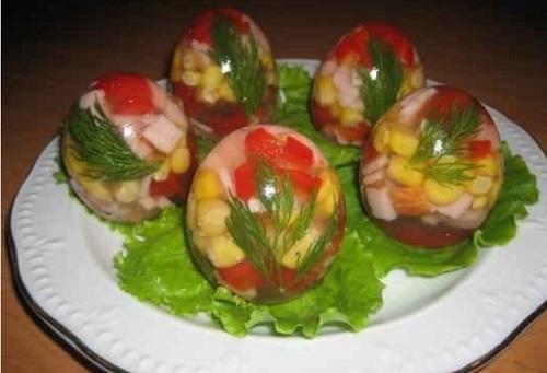 Заливные яйца на праздничный стол