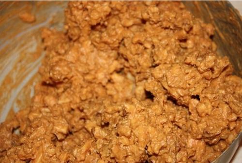 Торт муравейник из печенья без выпечки
