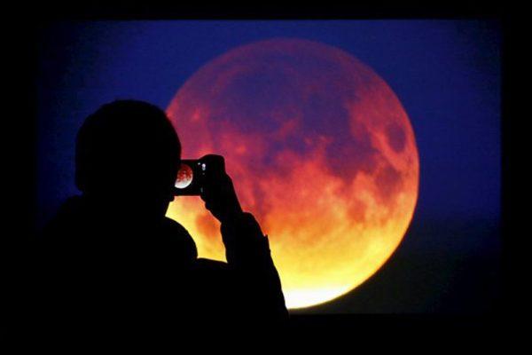 Голубая луна в марте 2018: двойного полнолуния