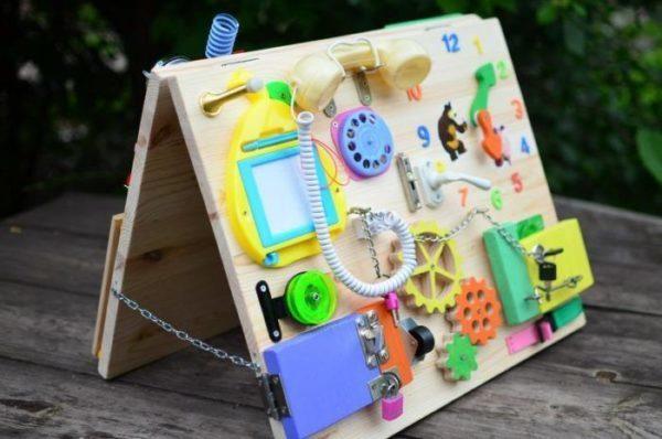 Бизиборд - развивающая детская доска: как сделать дома