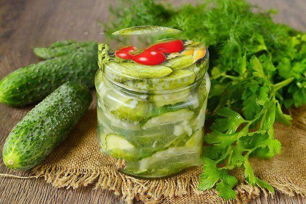 Салат из огурцов на зиму Нежинский вкусный