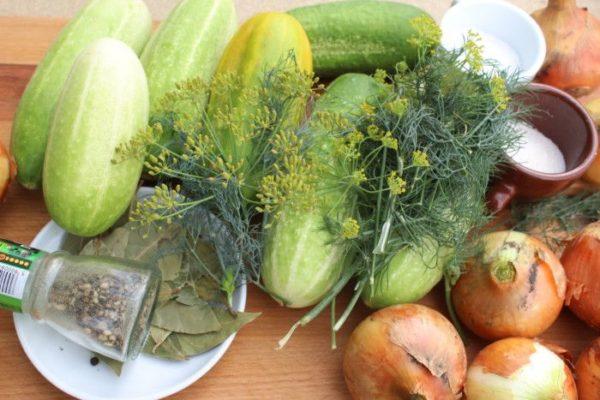 Салат из огурцов на зиму Нежинский ингредиенты